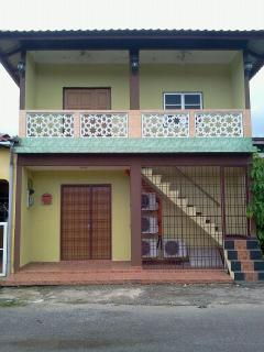 Spacious 4 bedroom Guest house in Langkawi - Langkawi vacation rentals