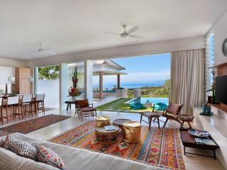 353 Degrees North - Stylish Villa in  Lembongan - Nusa Lembongan vacation rentals