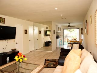 Deep Canyon Tennis Club 1 mile to El Paseo - Palm Desert vacation rentals