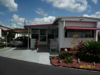 Little Home in Lakeland - Your Florida connection - Lakeland vacation rentals