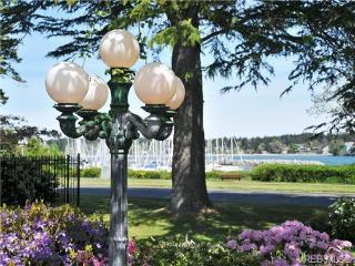 Beautiful water view luxury ranch - Oak Bay vacation rentals