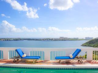 MAISON DE MIKI... almost 360 degree view of St. Martin... wonderful!! - Terres Basses vacation rentals