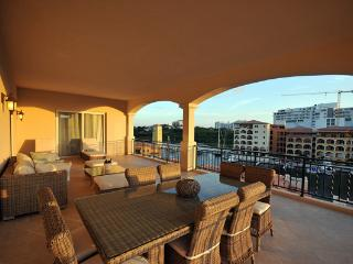 AQUA VUE * PORTO CUPECOY...4BR ...St. Maartens premier resort situated on a - Cupecoy vacation rentals