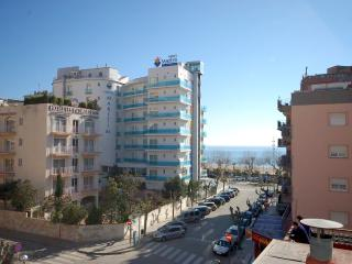 APARTMENT CALELLA near BEACH - Tossa de Mar vacation rentals