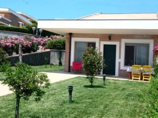 Villetta giardino e piscina condivisa 4+2 Soverato - Staletti vacation rentals