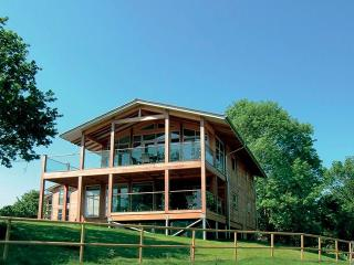 Romantic Cabin with Internet Access and Hot Tub - Leavenheath vacation rentals