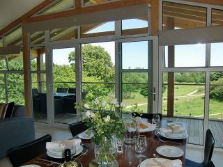 2 bedroom Cabin with Internet Access in Leavenheath - Leavenheath vacation rentals