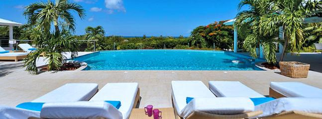 Villa Encore SPECIAL OFFER: St. Martin Villa 327 The Absolute Tranquility And Magnificent Views In Late Afternoon Hours Make This Gorgeous, Spacious And Beautifully Decorated House An Extremely Attractive Choice. - Terres Basses vacation rentals