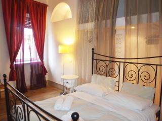 Spanish Steps Twin Apartments - Rome vacation rentals