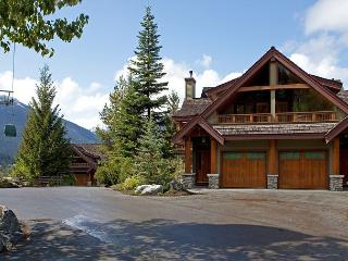 Cedar Hollow #12 | 3 Bedroom + Den Ski-in/Ski-out Townhome, Private Hot Tub - Whistler vacation rentals