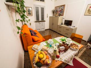 GOURMET'S  - Taste and quality in the Old Center - Bologna vacation rentals