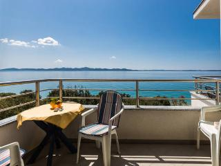 Villa Mirella apartment for 4, next to the sea! - Zadar vacation rentals