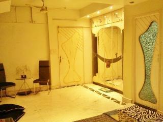 14 Square Triangular Park Premium - Kolkata (Calcutta) vacation rentals