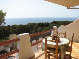 Casa Vacanze Porto Pino - Monolocale vista mare - Porto Pino vacation rentals