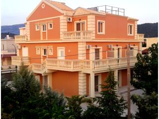 Cozy 3 bedroom Apartment in Ksamil with Internet Access - Ksamil vacation rentals