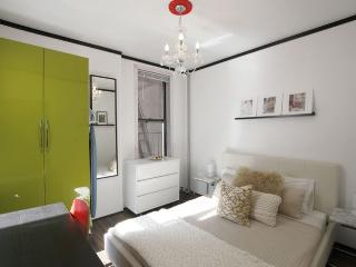 NEW UNIT~WALK TO CENTRAL PARK~COZY 2BED~6 Train - New York City vacation rentals