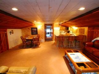 Quaint 2-Bedroom - Red River vacation rentals