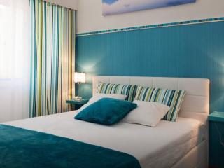 Mermaid House - Sea Views - Ac & Wifi - Sesimbra vacation rentals