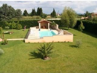 Villa pour 6 pers. avec Piscine Chauffee  à 30* - Graveson vacation rentals