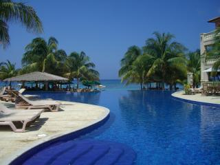 Infinity bay Resort Luxury Condo West Bay Roatan - Roatan vacation rentals
