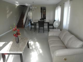 Bahamas Modern Vacation Getaway - Nassau vacation rentals