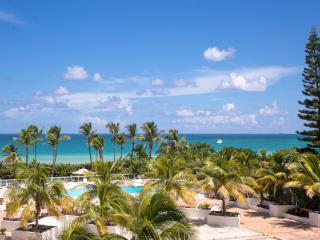UNIQUE 6BR/6BA, OCEANFRONT BUILDING FOR 18 GUESTS - Miami Beach vacation rentals