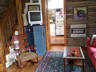 Cozy backyard oak log cabin, great sunsets. - Weaverville vacation rentals