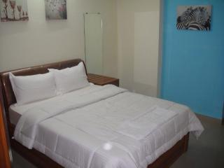 Nice Bed and Breakfast with Internet Access and A/C - Mumbai (Bombay) vacation rentals