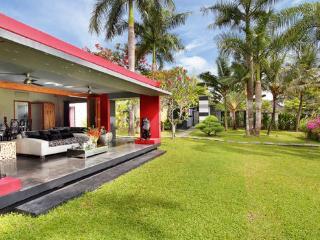 True gem 5 Bedroom Villa in Canggu - Canggu vacation rentals