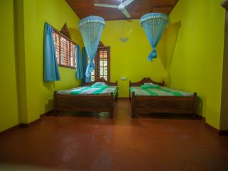Private room in cozy house - Hikkaduwa vacation rentals