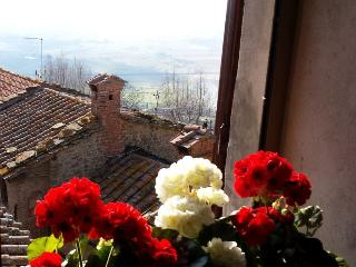 Breathtaking Views in Historical Centre - Cortona vacation rentals