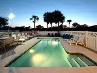 Beautiful Crystal Beach House! 2 Blocks from Beach! Private Pool, Sleeps 22! - Destin vacation rentals