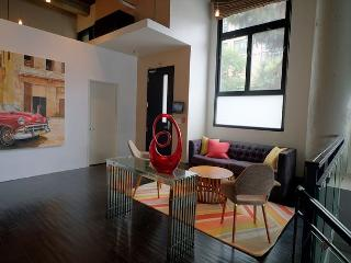 LA Loft - 3b/3bth - in the heart of it all! - Los Angeles vacation rentals