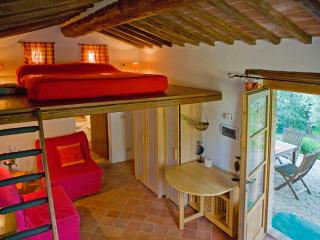 Nice B&B with Internet Access and Short Breaks Allowed - Monte San Savino vacation rentals
