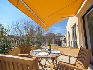 Nice Condo with Internet Access and Dishwasher - Figueres vacation rentals