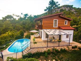 Holiday villa in islamlar /kalkan, sleeps06: 106 - Islamlar vacation rentals