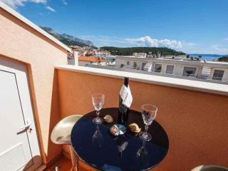 Missy 2 for 4 persons with balcony - Makarska vacation rentals