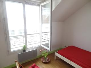 Private room next to paris with garden and terrace - Saint-Denis vacation rentals