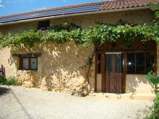 Bright 2 bedroom Barn in Villamblard with Internet Access - Villamblard vacation rentals