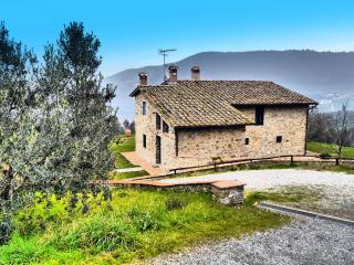 Bright 6 bedroom Villa in Quarrata with Internet Access - Quarrata vacation rentals