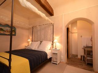 Les Atlantes de Provence Vacation Rental - Saint-Saturnin-les-Apt vacation rentals