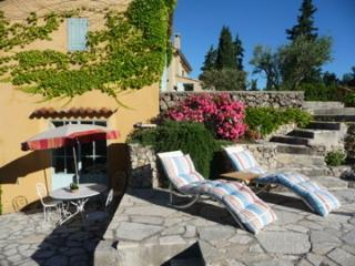 Nice House with Internet Access and Outdoor Dining Area - La Verdiere vacation rentals