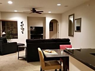 Scottsdale N. Gorgeous 1st Fl, 2BR, 2BA, 2CG - Scottsdale vacation rentals