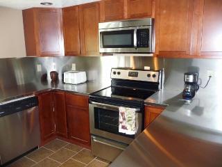Newly Remodeled House, Sleeps 13, Dock 18' Boat - Alexandria Bay vacation rentals