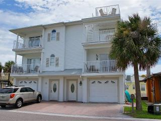 BEACHSIDE 2BR TOWNHOME***STEPS to BEACH**PETS OK - Redington Shores vacation rentals