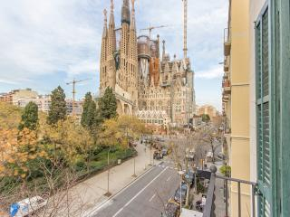 Lucky Sagrada Familia · 4 Bedrooms Great Views! - Barcelona vacation rentals