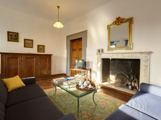 Suite Michelangelo | Piazza Santa Croce with view - Florence vacation rentals