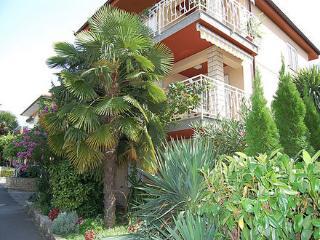 APARTMAJI SAMEC Apartment Rožmarin for 5 guests - Izola vacation rentals