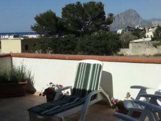 Nice Villa with A/C and Satellite Or Cable TV - Pizzolungo vacation rentals