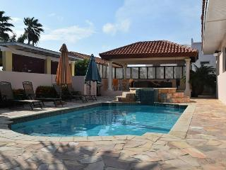 Villa Paradise with private pool - 3 bedrooms - Noord vacation rentals